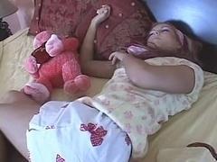 teenage gets sandwiched after sleep