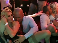 Grupo, Sexo duro, Fiesta, Estrella porno, Público