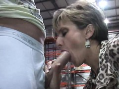 Unfaithful english mature lady sonia shows her big puppies