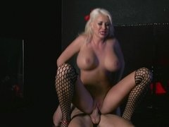 A blonde gets her cunt lips kissed and she is then rammed