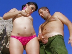 Chubby Brunette Amateur Fingered And besides Fucked Outdoors