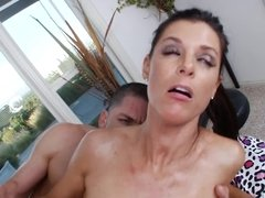 Trimmed puss of India Summer needs hard dick of shart-haired male
