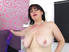 UK sexually available mom Janey is up to no good in fishnet stockings