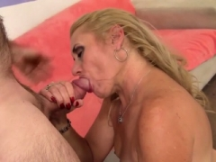 Blond, Sperma shot, Sperma in gezicht, Omie, Harig, Hd, Kousen
