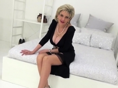 Unfaithful british grown-up gill ellis shows her monster breasts