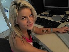 Sweet blondie