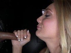 Gros cul, Blonde, Sucer une bite, Éjaculation interne, Tir de sperme, Faciale, Branlette thaïlandaise, Hard