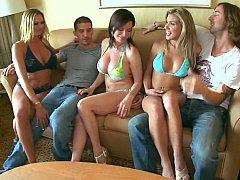Tetas grandes, Bikini, Rubia, Morena, Grupo, Sexo duro, Realidad, Tetas