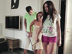 Dochter, 1 man 2 vrouwen, Moeder die ik wil neuken, Moeder, Stiefmoeder, Tiener, Trio