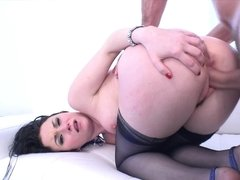 Awesome forms, oil, and sexual desire of this dame make man crazy