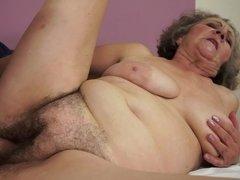 Belle grosse femme bgf, Gros seins, Sucer une bite, Brunette brune, Faciale, Mamie