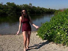 Пляж, Большие сиськи, Грудастые, Платье, На природе, Дразнящие, Сиськи, Влажная