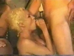 Blowjobs Causes Bulky Cumshot