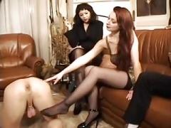 Weibliche domination, Faustfick, Strümpfe