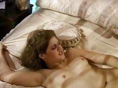 Housewife Janice Solo play