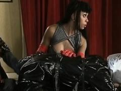 Анальный секс, Европейки, Фетиш, Межрасовый секс, Латекс, Втроем