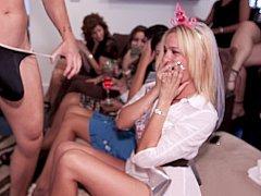 Blonde, Brunette brune, Club, Mignonne, Groupe, Fille latino, Fête, Public