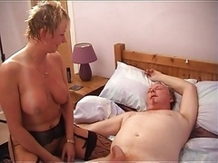 Hot Shorthaired Grown-up Cougar In Stockings Rides Cum cannon