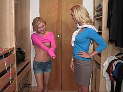 Dakota's teen pussy munched by a milf
