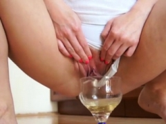 Peeonher - Fresh daily Routine - Pissing Inside Pussy
