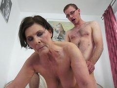 Belle grosse femme bgf, Sucer une bite, Faciale, Mamie