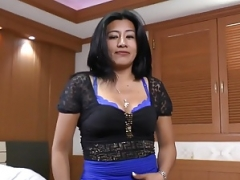 Latina and besides pantyhosed milf Veronica puts sex toys to work