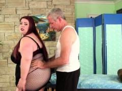 Huge boobed Adult bbw Miss Ladycakes gets a sex massage