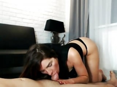 Beautiful Floozy Blows and Bangs her Boyfriend on Webcam