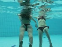 A duo super hot teens in the pool