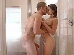 Steamiest shower episode