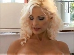 Mature beauty Sasha-trasgu