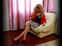 Tranny in pantyhose
