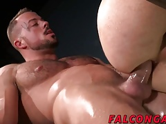 Prison inmate fucking the ass of a corrupt guard for jizz