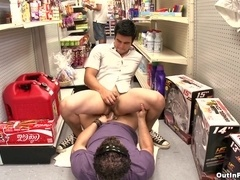 Cody Springs sucks a shaft in a shop and gets his gay anus pounded hard