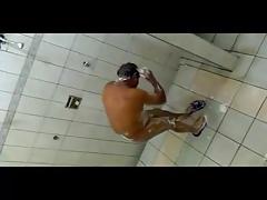 Spy Caminhoneiro tomando banho 2