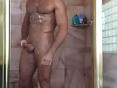 Alexander Mecum in the shower