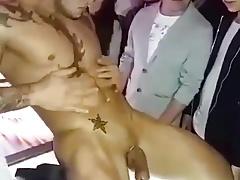 ... Y el Stripper Baila Asi!