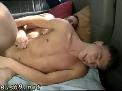 Muscly stud fucking boy in a car