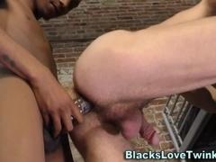 Black inmate gets a bj