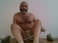 Come and smell daddy's dirty feet and musty man ass