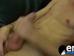 Hot Phoenix Link blow a massive cum load all over a pillow