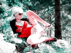 LolaSpais in the forest