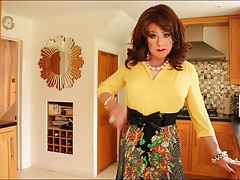 Yellow blouse with multicoloured pleats