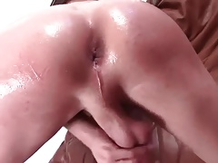 Oiled massage (I like to fuck) - Dream World (Video)