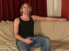 Horny gay stud Carter Ride jerks his weiner off in hardcore solo video