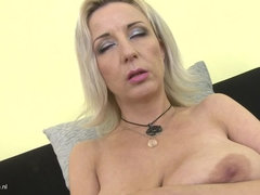 Mature lady masturbating