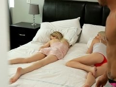 Great-looking blondes Kate Bloom and Mackenzie Moss nailed in the bed
