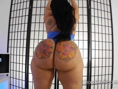 Jazzmin Jonez - Fatty Azz & Supersized Big Beautiful Women Thighs Stripping