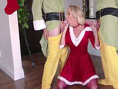 Miss Santaclause hits A Deal With Her Sons- Brandi love