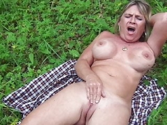 Floozy Diane Jerking off Outdoor
